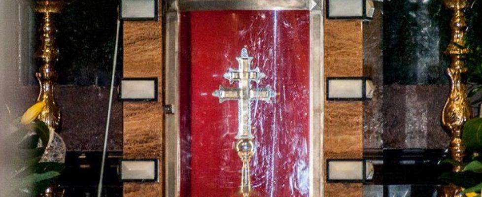Bądź pozdrowion Krzyżu Święty…