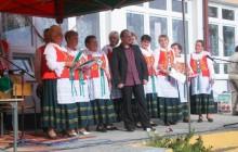 Zespół ludowy w parafii Mirów